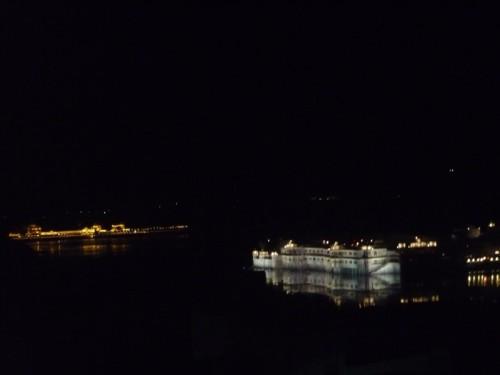 le lake palace de nuit