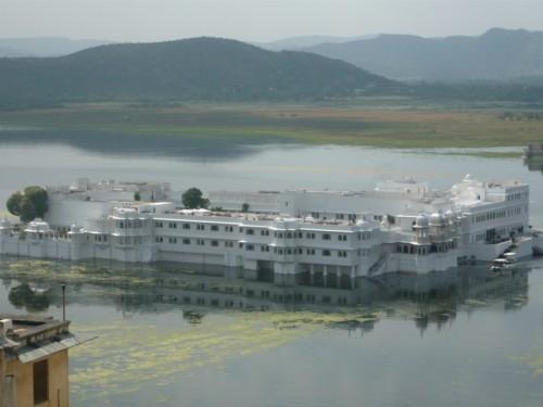 Lake Palace vue du City Palace
