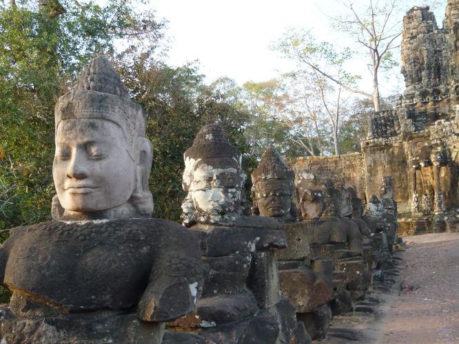 le pont d'acces a la zone d'Angkor Thom