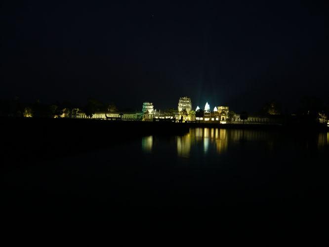 Angkor Wat de nuit !
