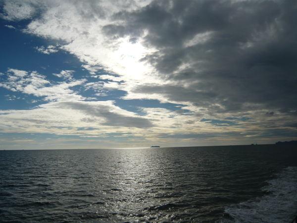 Un ciel superbe vu du bateau.