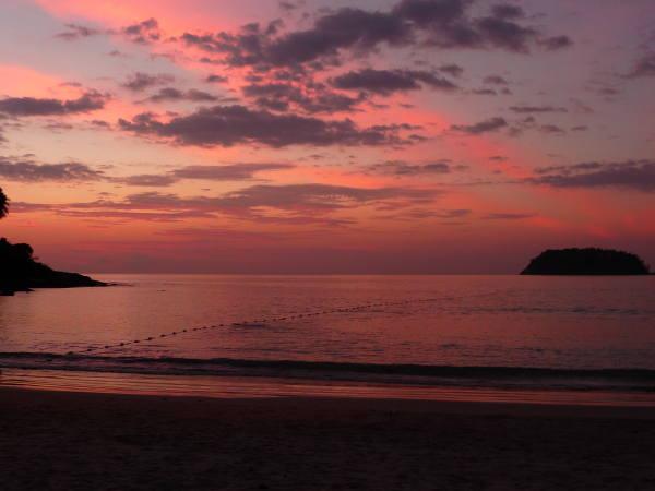 Coucher de soleil sur kata beach !