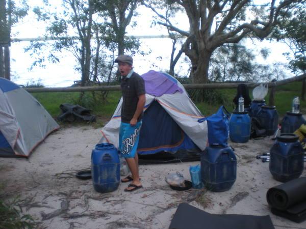 Notre campement au bord du lac !!!