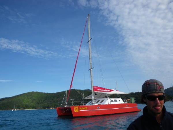 Andy notre GO et notre bateau le Togara !